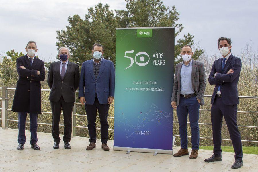 Denis Itxaso, Delegado del Gobierno en Euskadi, visita las instalaciones de Ikusi en Donostia